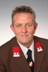 Dreier Richard oK 200x300 - MANNSCHAFT